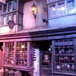 Pinch me! More Diagon Alley shops!