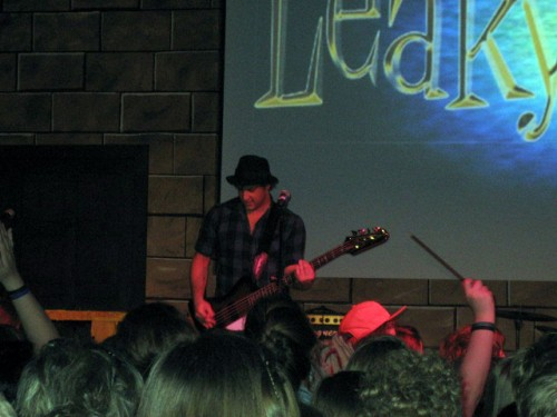 leakycon2011-wizard-rock-tonks-and-the-aurors-alex-carpenter